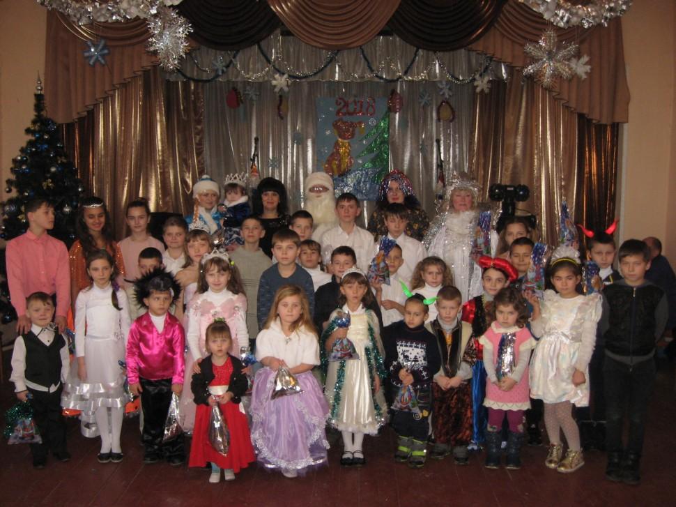 Альбом: Новорічні свята в Нечволодівському сільському клубі